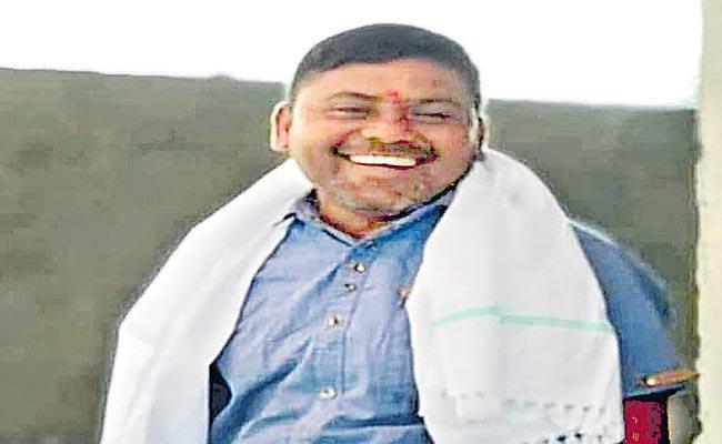 Man Was Brutally Beaten To Assassination With Rocks In Karimnagar District - Sakshi