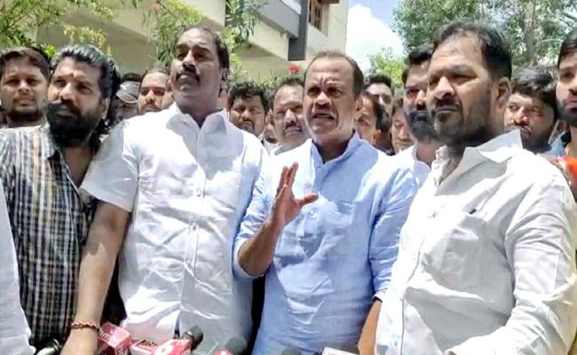 Congress Leader Fires On Cm KCR And KTR Over Saidabad Rape Case In Hyderabad - Sakshi