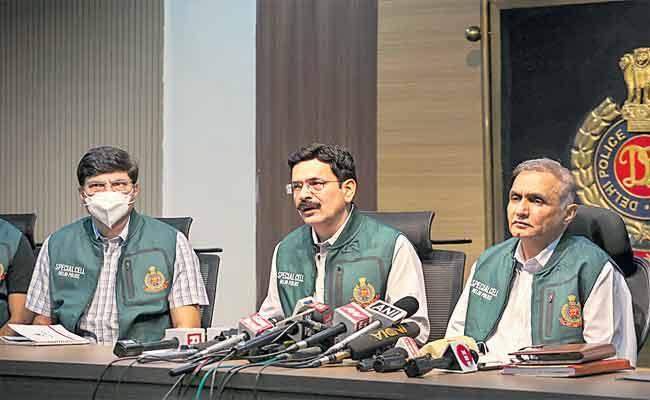 Six Terrorists Arrested By Delhi Police - Sakshi
