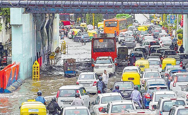 Delhi records highest rainfall in September in 19 years - Sakshi