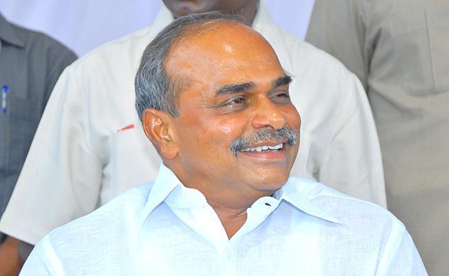 YS Rajasekhara Reddy Vardhanthi: YS Rajasekhara Reddy Developed Srikakulam District - Sakshi