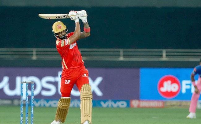 KL Rahul 2nd Batsman After Chris Gayle Reach 3000 Runs Few Innings IPL - Sakshi