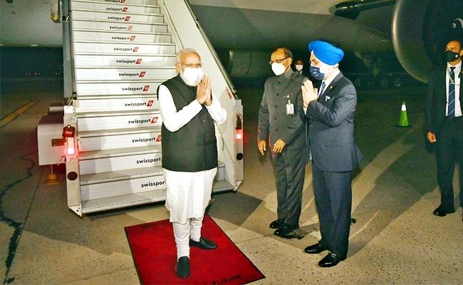 Prime Minister Narendra Modi US Visit: Indian PM Arrives New York - Sakshi