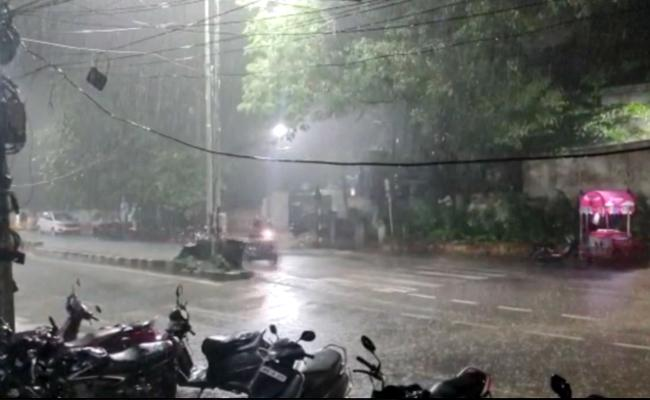 Heavy Rainfall In Hyderabad - Sakshi