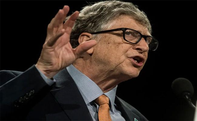 Bill Gates Takes A Dig At Jeff Bezos And Elon Musk Space Tourism - Sakshi