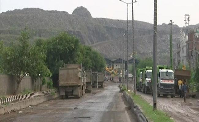 New Delhi: Edmc Plans Earn From Mountain Of Garbage Price Paid Shooting - Sakshi
