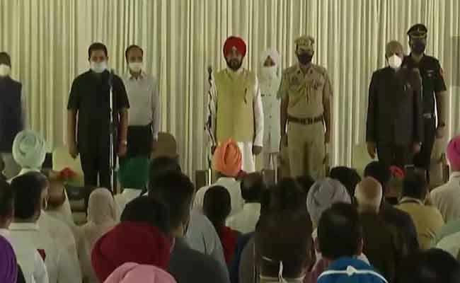 Punjab: 15 Congress MLAs Sworn in As Ministers - Sakshi