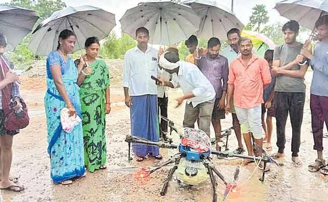 Medicine From The Sky In Telangana: Medicine Drone Delivery In Kurti - Sakshi