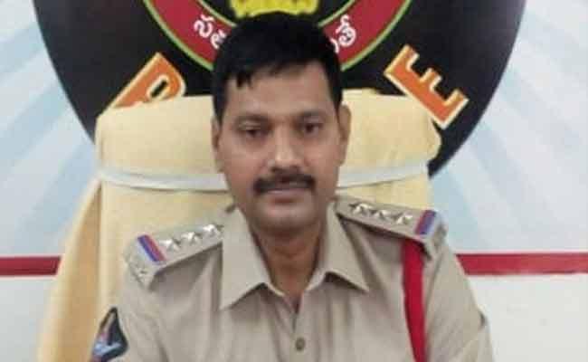 CI Srinivasa Rao Battula Illegal Works In Guntur District - Sakshi