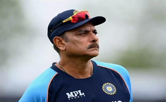 Boys Were A Bit Distracted Says Vikram Rathour After Ravi Shastri Tests positive - Sakshi
