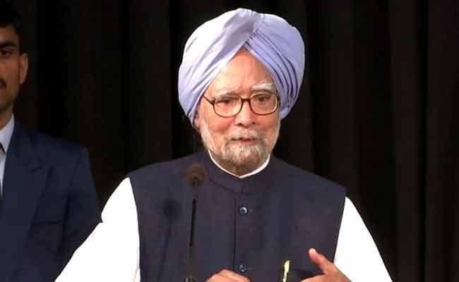 Ex PM Manmohan Singh Illness Treatment In AIIMS Hospital Delhi - Sakshi