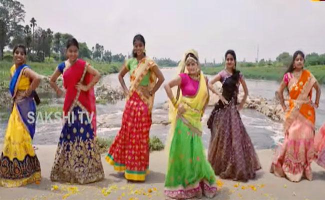 Bathukamma New Song Tella Tellarindi Tammullu Song Goes Viral - Sakshi