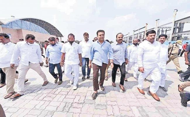 Telangana: KTR Inspects Arrangements At Hitex For Plenary - Sakshi