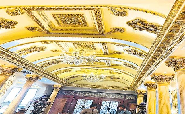 Luxury Interior Home With 24 Carat Gold Leafing - Sakshi