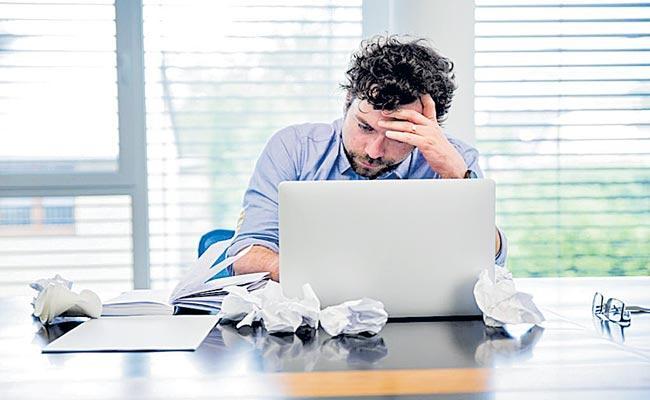 55 Percent Of India Employed Professionals Are Feeling Stressed - Sakshi
