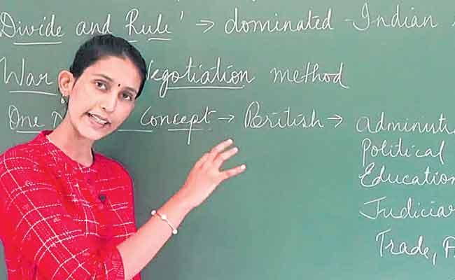 Kancha Ilaiah Guest Column On English Language - Sakshi