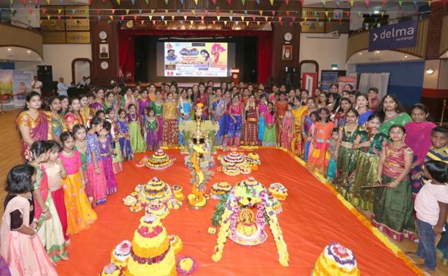 ఘనంగా అబుదాబి తెలంగాణ సంఘం బతుకమ్మ సంబరాలు