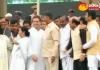 Chandra babu Naidu met Sonia and Rahul Gandhi at Kumara Swamy Oath - Sakshi
