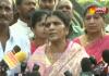 Lakshmi Parvathi Pays Tribute To Sr NTR in NTR Ghat Hyderabad - Sakshi