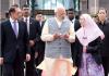 PM Modi meets Malaysian counterpart Mahathir - Sakshi