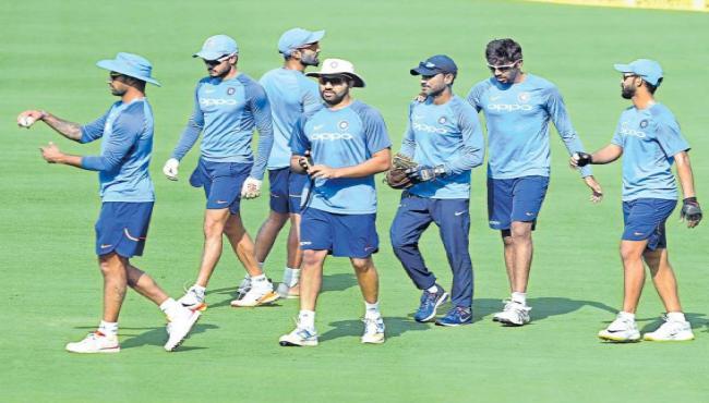 India and Sri Lanka are the third ODI in Vizag today - Sakshi
